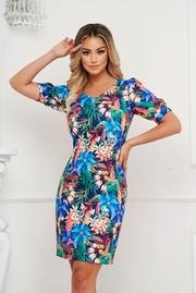 rochii de vara cu flori aplicate